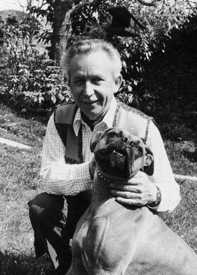 1979 Lausanne, Valombré: Le compositeur avec sa première chienne Astak